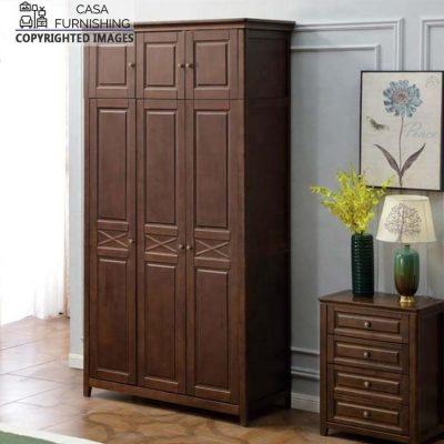 Wooden 3 Door Wardrobe / Almirah